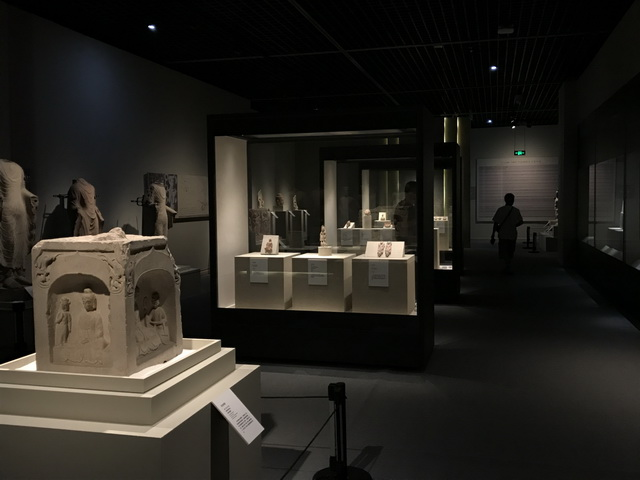 重磅:力方展示,继敦煌大展后,又一重磅级艺术展在川博展出,由四川博物院、故宫博物院、印度博物馆主办,力方一